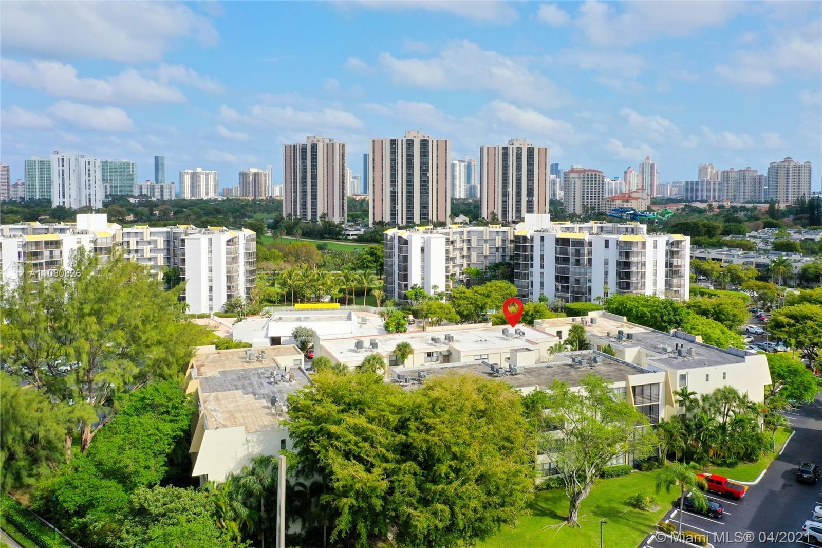 Renovated 3 bedrooms and 2 bathrooms garden view condominium in Villa Dorada located on Aventura Cir