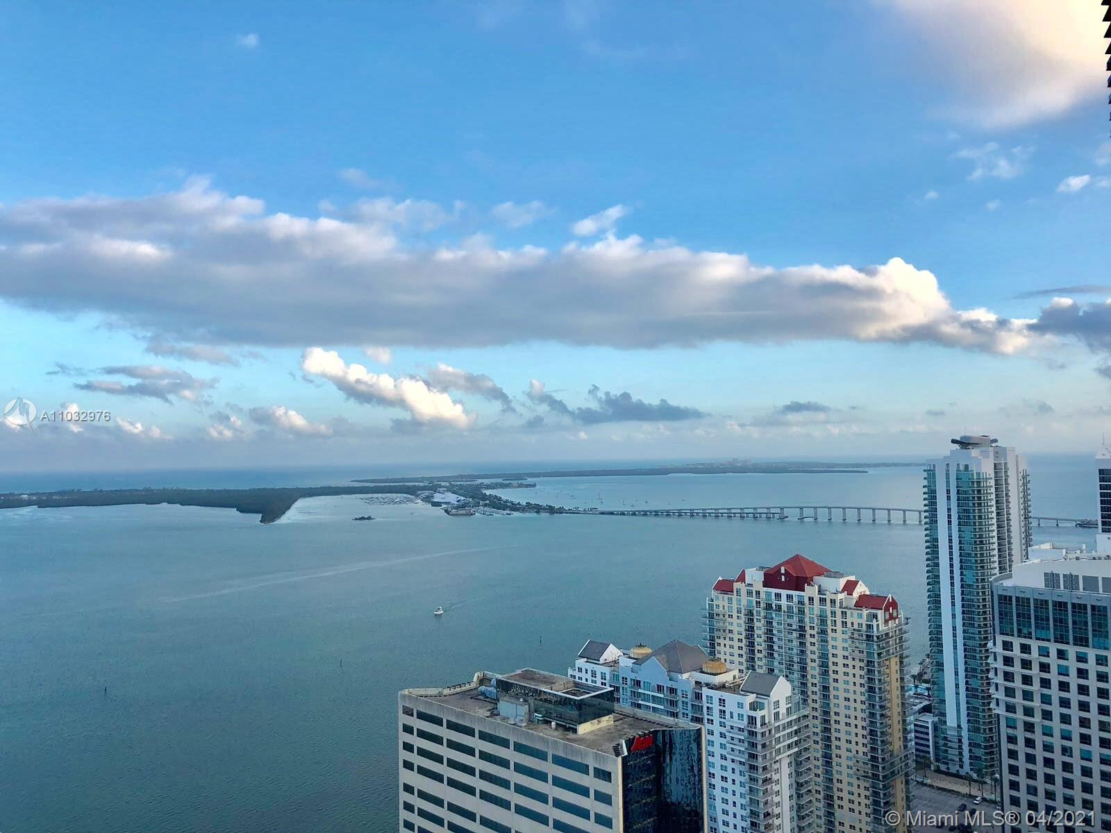 Spectacular 2/2 on the 51st floors with amazing bay views. Residence features modern high ceilings,