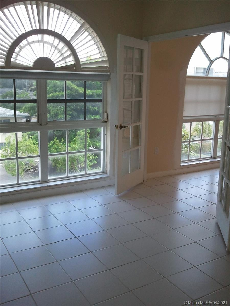 LOCATION! LOCATION! LOCATION! UNIVERSITY INN CONDO DIRECTLY ACROSS FROM UM! (SEE BROKER'S REMARKS) 2