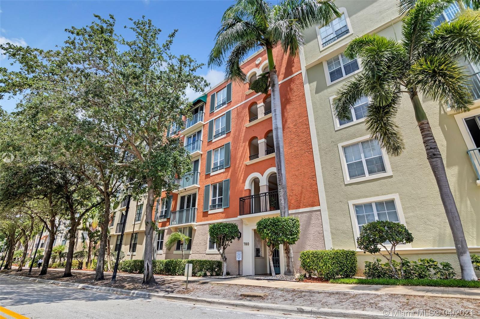 Recently renovated 2 bedroom 2 bath condo in the heart of West Palm Beach's revamped Rosemary Square