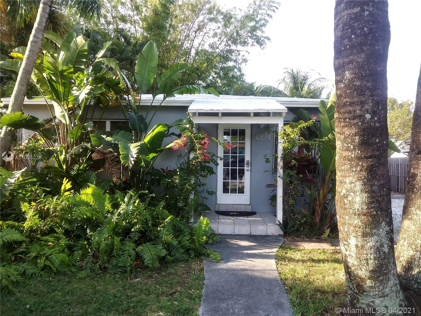 3 BR/2 BATH home with COTTAGE on over sized lot in Edgewood. 3 separate lushly landscaped yards. 3/2
