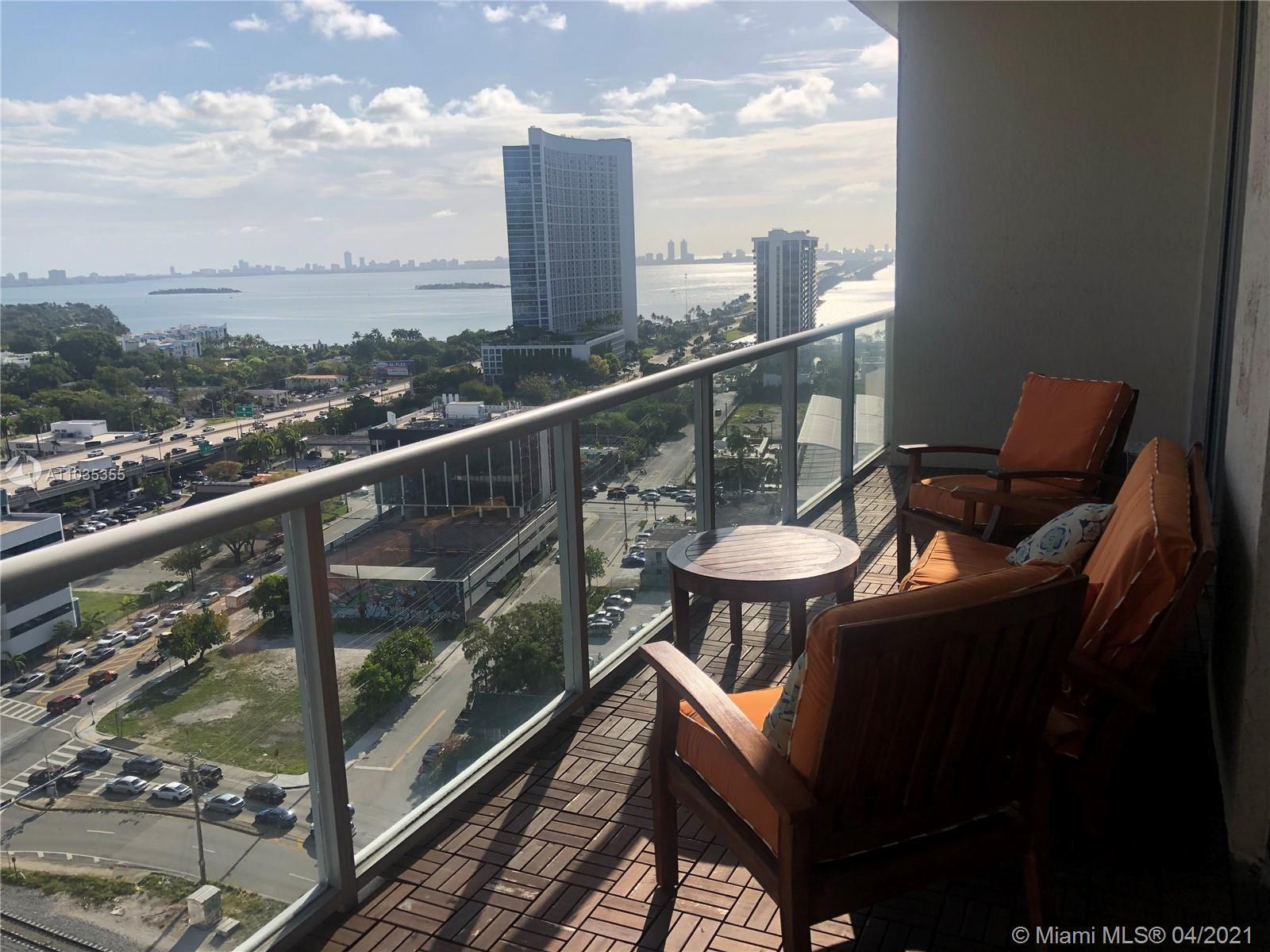 A must see this gorgeous Condo that shows very nice. 1bedroom, 1.5bath in Midtown Two. Located in Mi