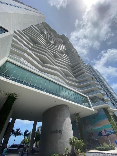 Live at Icon Bay. Located in the heart of Edgewater. Spacious unit. Beautiful bay view. 2 bedroom 2