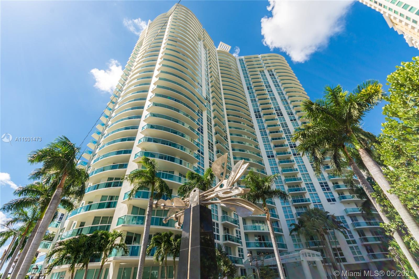 Enjoy everything the vibrant Fort Lauderdale lifestyle has to offer! Watergarden is located steps fr