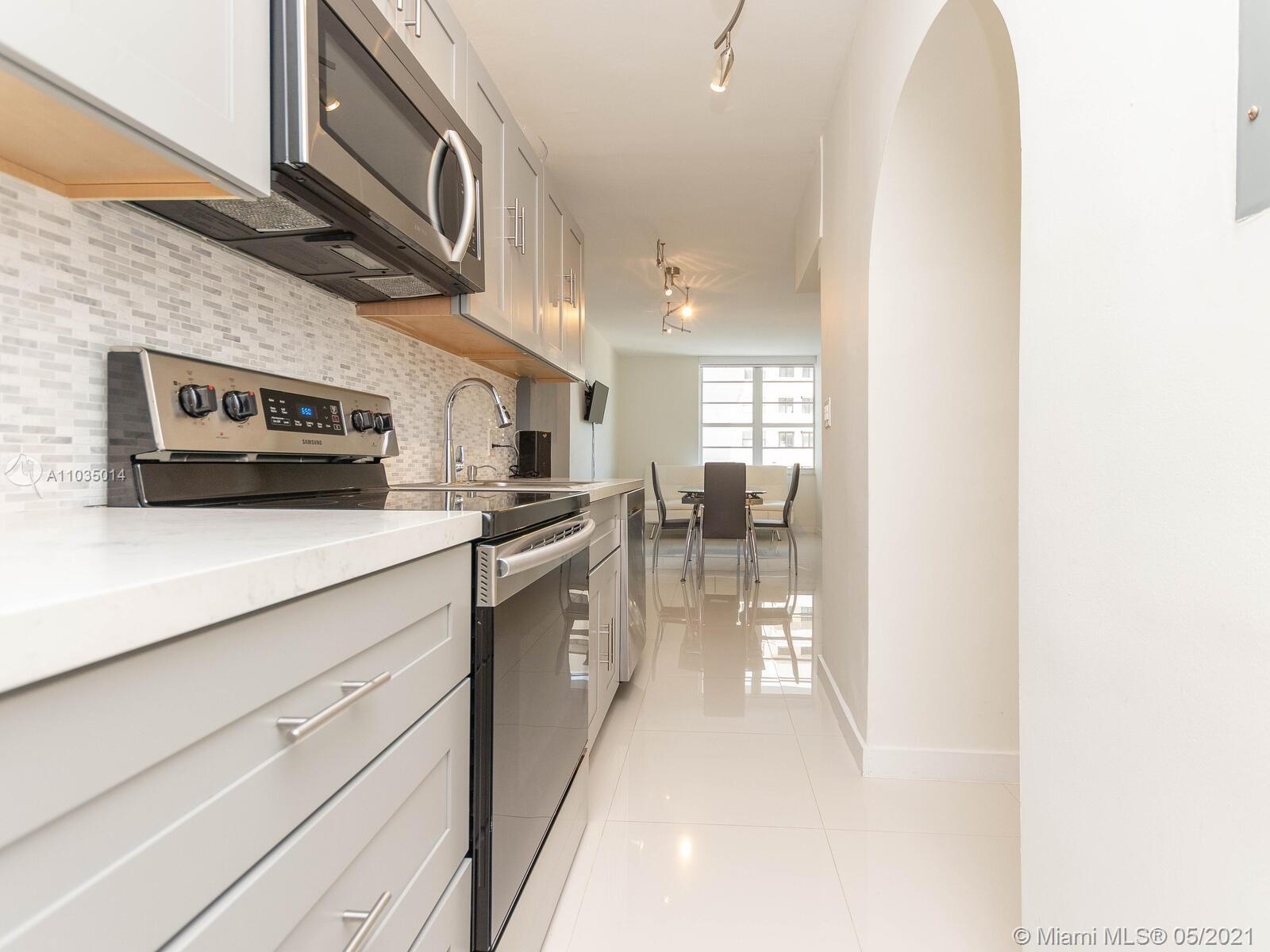 FULLY RENOVATED, BEAUTIFUL 1-Bedroom Unit in Decoplage Condo. Well divided apartment with all new ki