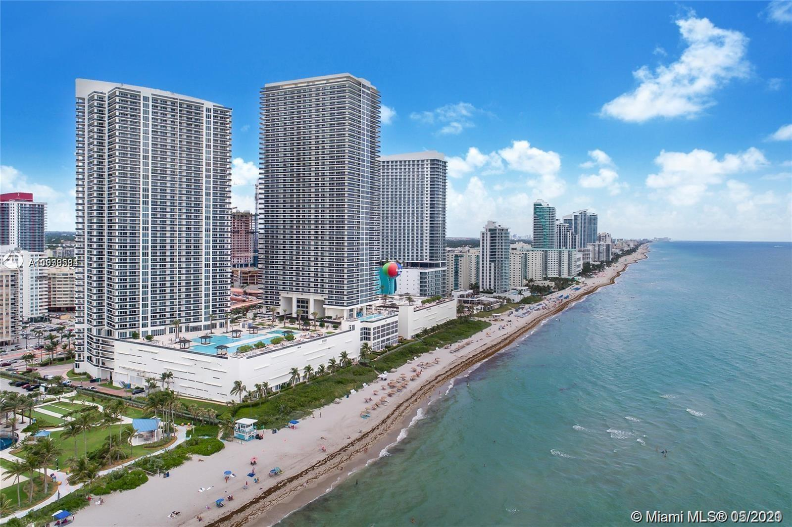 Large, bright and spacious unit, 2 bedrooms plus large den, overlooking intracoastal.  Fully renova