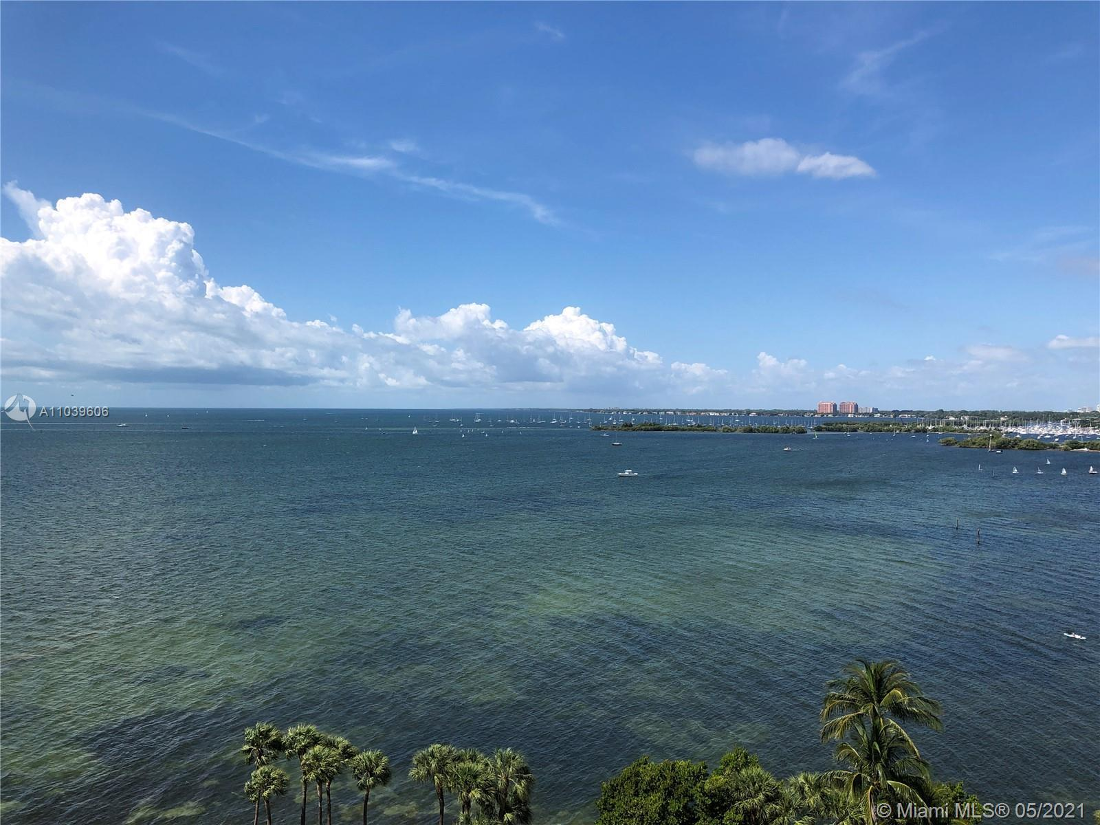 Spectacular rarely on the market, 2 bedroom 2 bath Split plan, with unobstructed 180º southern views