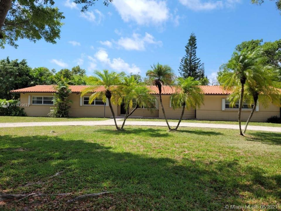 pinecrest jewels. Located in the prime pinecrest area with pinecrest Elementary. Spacious 4 bedrooms
