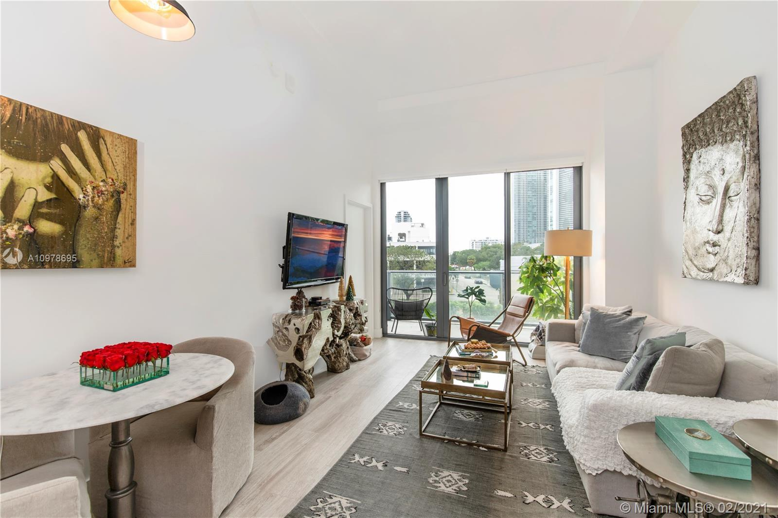 You'll love this 1 bedroom plus DEN, 1 bathroom apartment located in Midtown - One of the hottest an