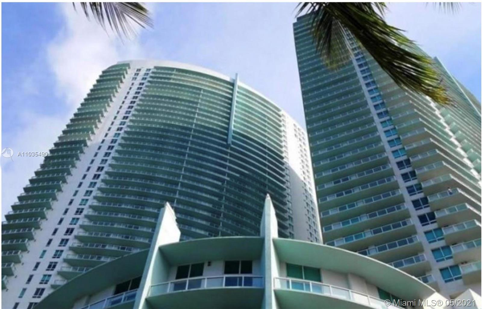 SPACIOUS 1 BED/1 BATH IN THE QUANTUM ON THE BAY CONDO OFFERS WOOD  FLOORS THROUGHOUT, HIGH-END BATHR