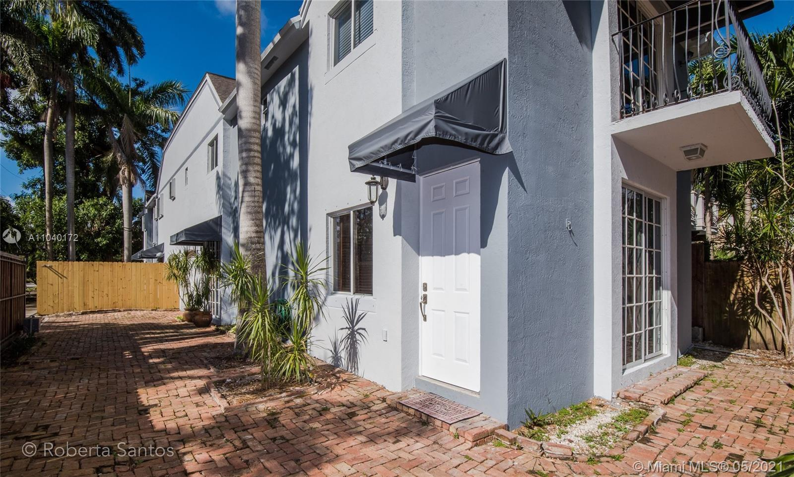 Lovely 3 bedroom townhouse with split floor plan on the second floor. Remodeled kitchen with stailes