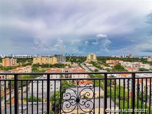 Spacious 2/2 with 1174 sq. ft.  in the heart of Coral Gables! Within a few walkable blocks to Miracl