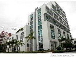 Bright unit loft style OPEN FLOOR PLAN. Modern, Boutique Building, Located in the Heart of Biscayne