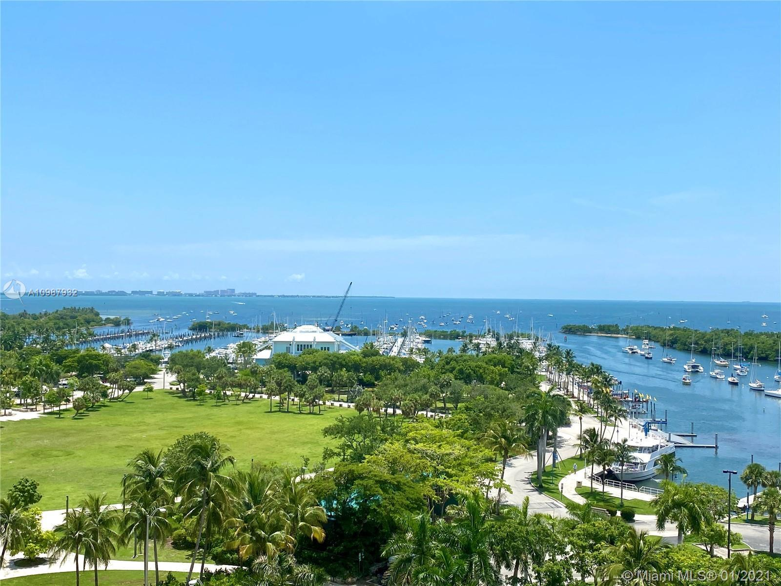 Overlooking the prized Biscayne Bay, this 3 bed condo welcomes you to the newly delivered One Park G