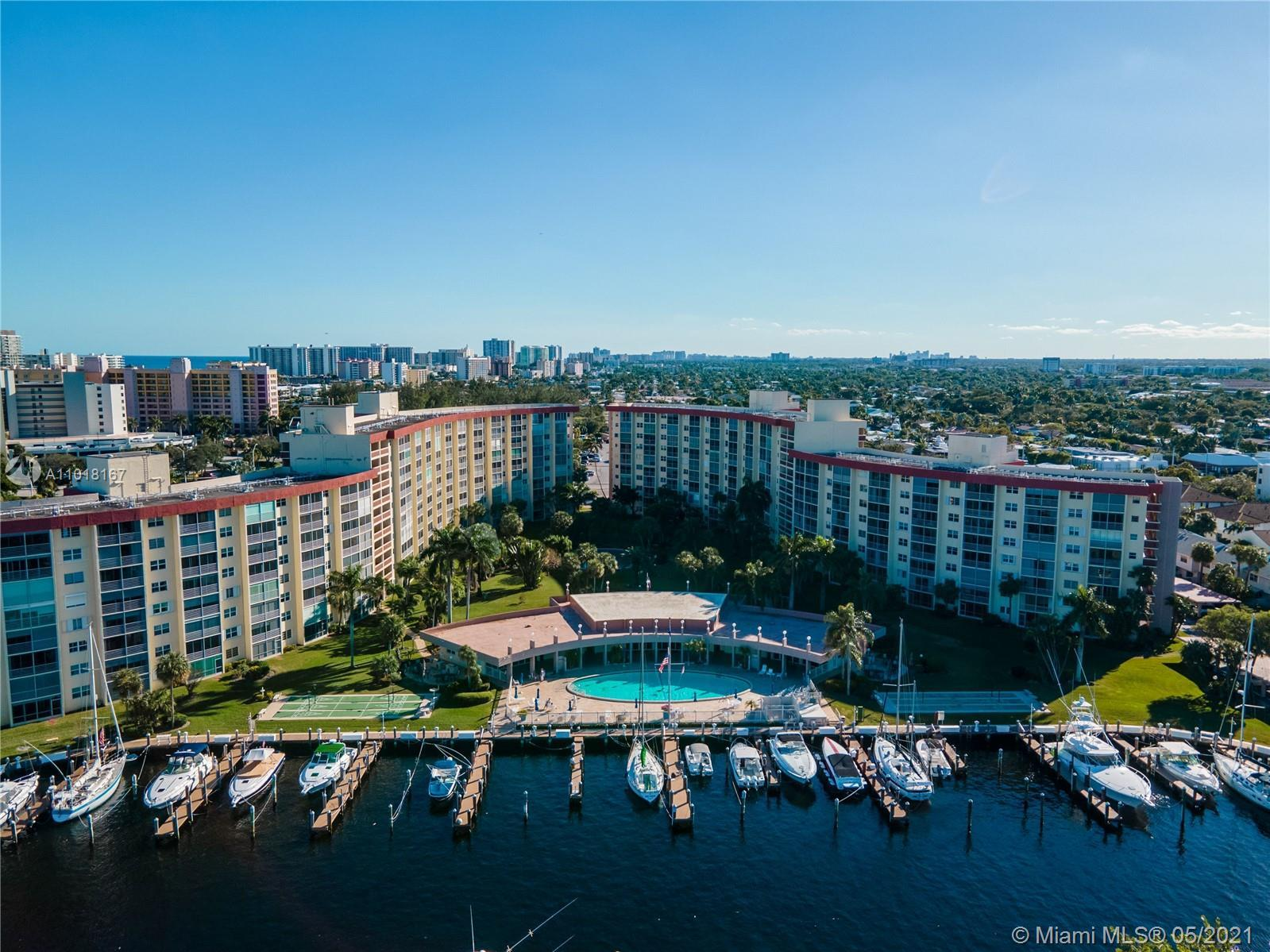 Active 55+ boating community. Serene and lovely garden and view of the fountain. Tile floors through