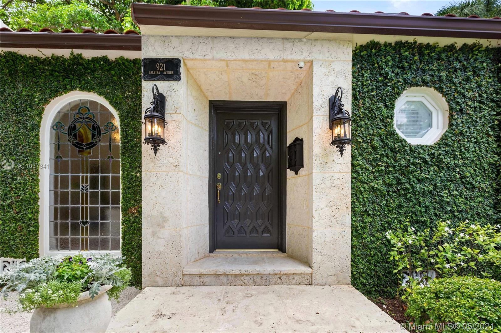 Fall in love with this Coral Gables home in the prestigious Golden Triangle neighborhood. 1,847sf (l