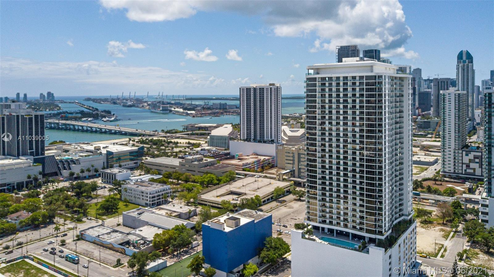 GREAT OPPORTUNITY to own a luxury 2BED/2BA residence in desired CANVAS building in Downtown Miami. U