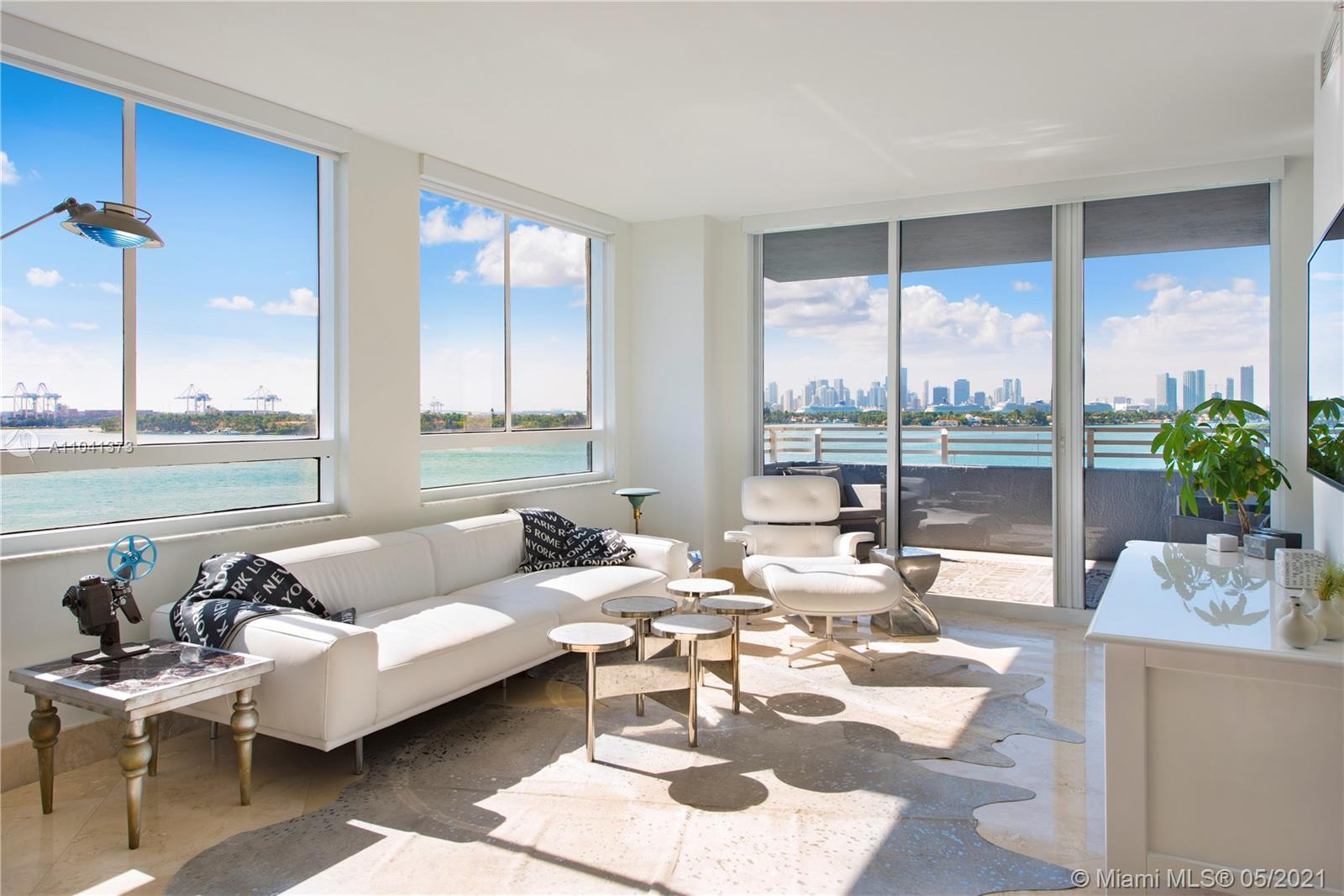 Delightful condo in great location! Wonderful direct West Biscayne Bay, sunset and downtown views. L