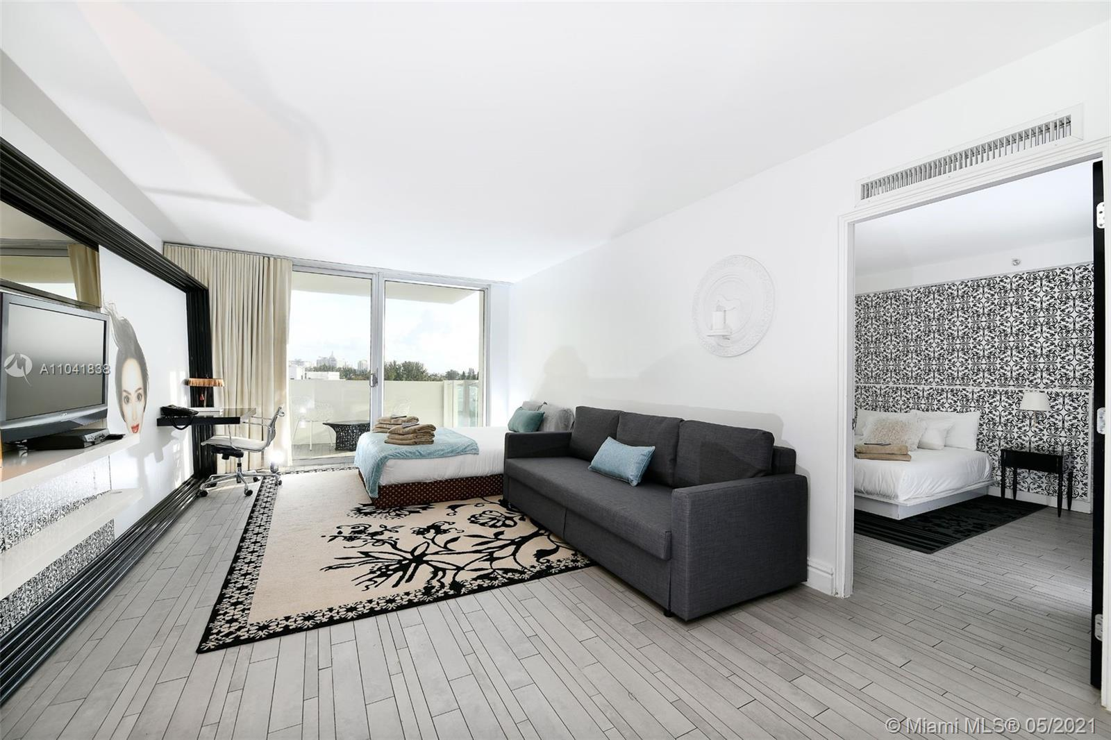 Stunning corner unit with spectacular views of Miami Skyline, just minutes away from Downtown Miami,