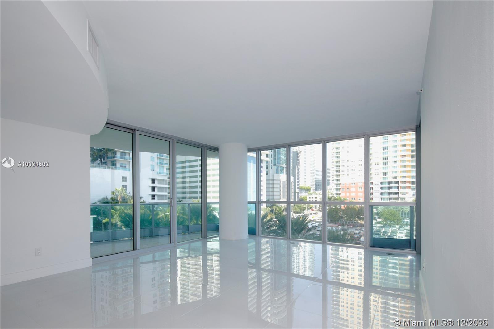 Exclusive luxury apartment in the heart of Brickell district. City & Bay views. 9'high ceilings. New