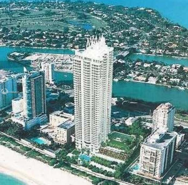 Beautiful condo 2 bedrooms 2 bath with amazing views of the ocean and intracoastal.