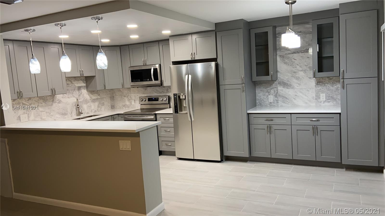Professionally Remodeled 2BR/2BA lake view Apartment with open floor plan,(kitchen wall removed to p