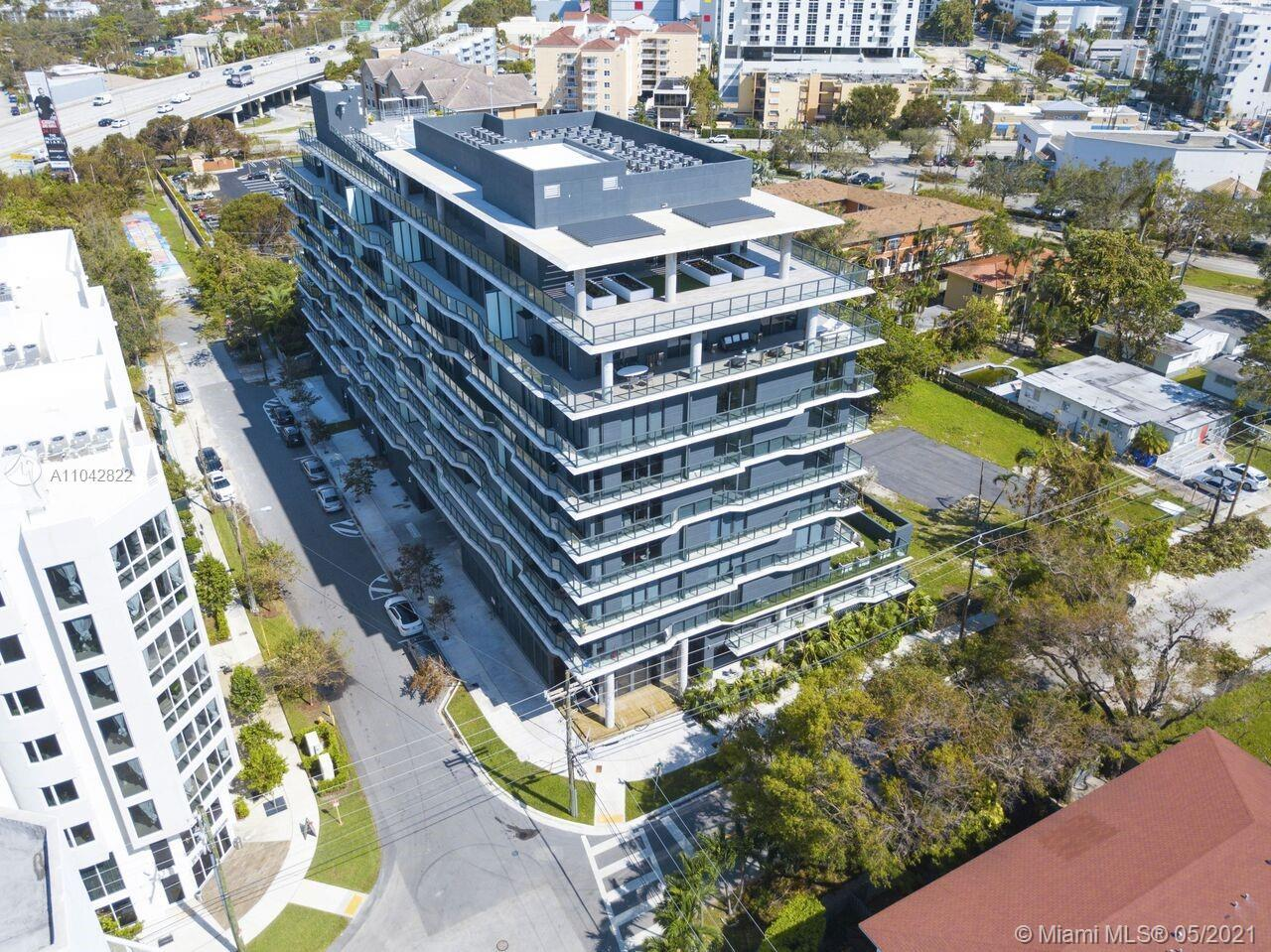 Great 1 bed/1 bath unit in boutique building in the quiet area of Brickell. Spectacular location, st