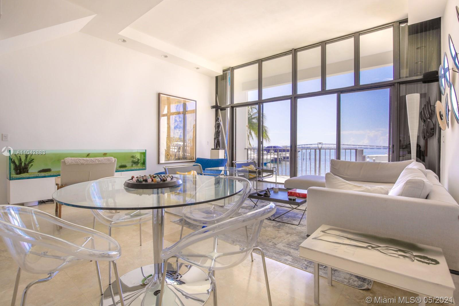 Beautiful renovated town house with Amazing view to Biscayne Bay. Completely renovated. Big Master b
