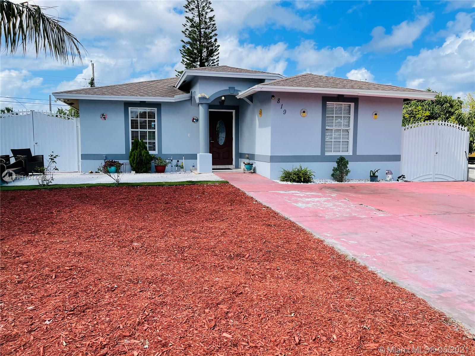 Amazing business opportunity, this house has two efficiency currently rented that will pay you mortg