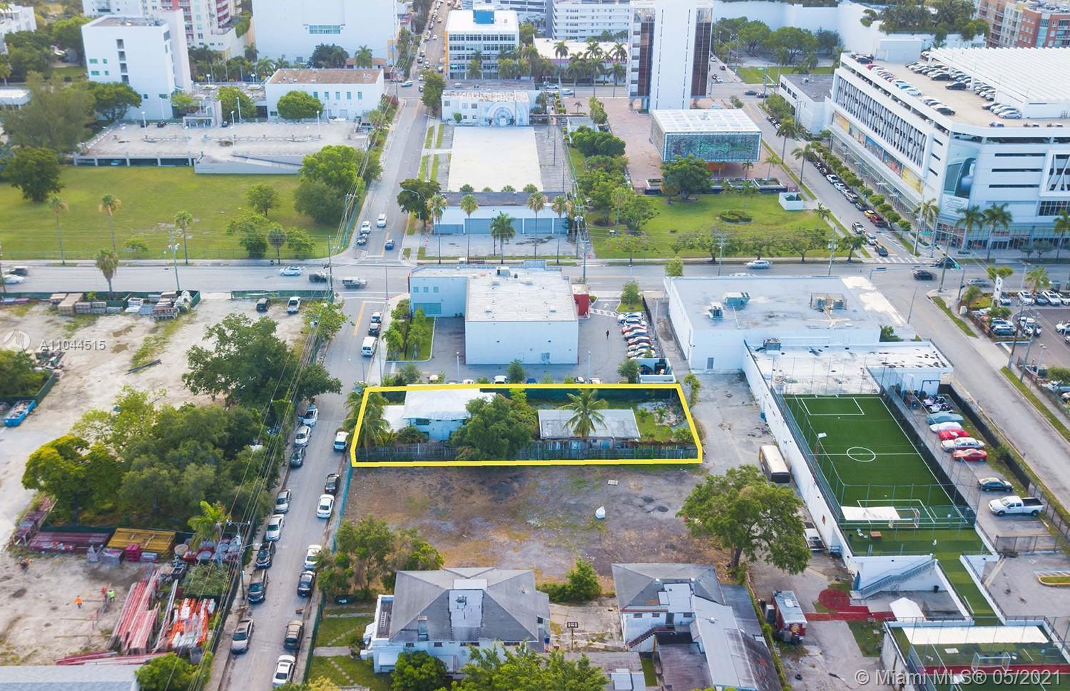 APEX Capital Realty is proud to present an urban infill parcel of 8,475 Sq. Ft. in the popular Edgew