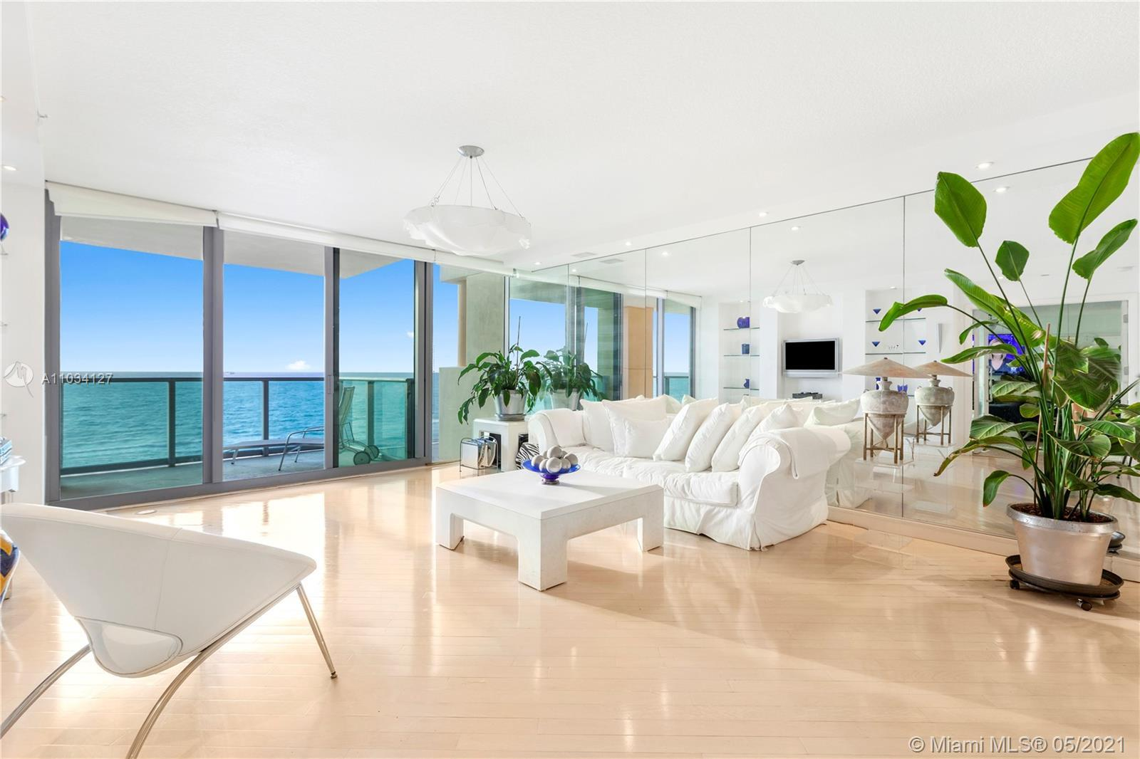 Start your dolce vita  at ll Villaggio, the finest oceanfront residence in South Beach. Enjoy sweepi