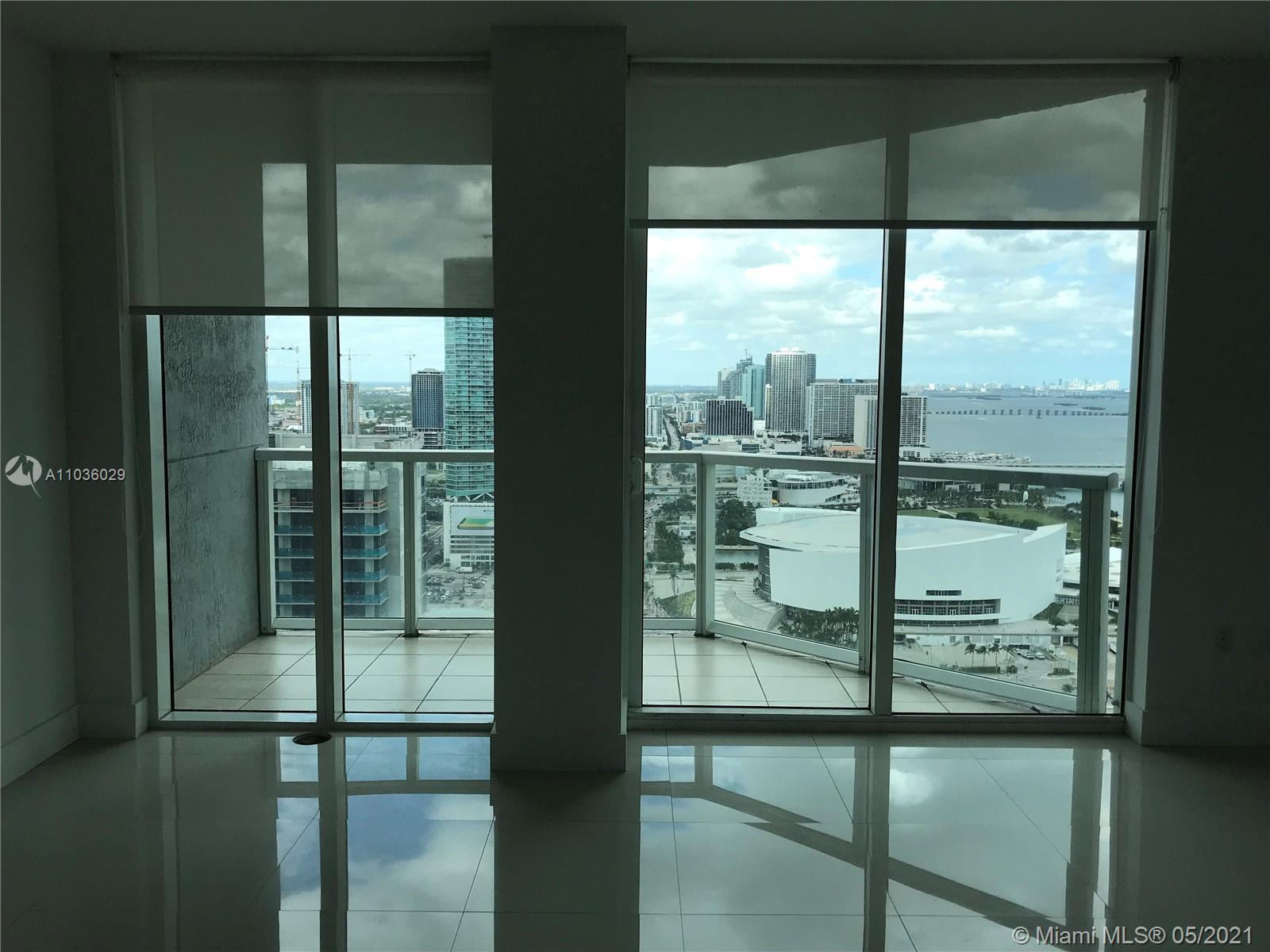 Spectacular 2 bed plus den 2 full bath unit with all the North and East bay view from the 37th floor
