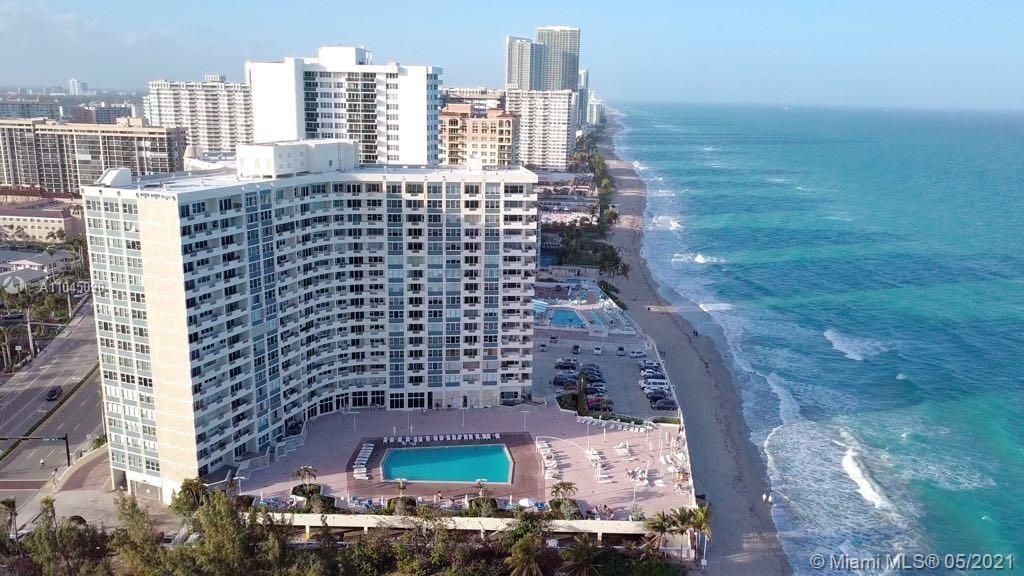 Luxury Remodeled 2 bed room and 2 full bathrooms apartment at the Beachfront Resort with a Large bal