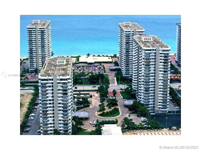 OCEAN FRONT CONDO WITH AMAZING OCEAN VIEWS. UPGRADED, CERAMIC FLOORS THROUGHOUT. FULL SERVICE BUILDI