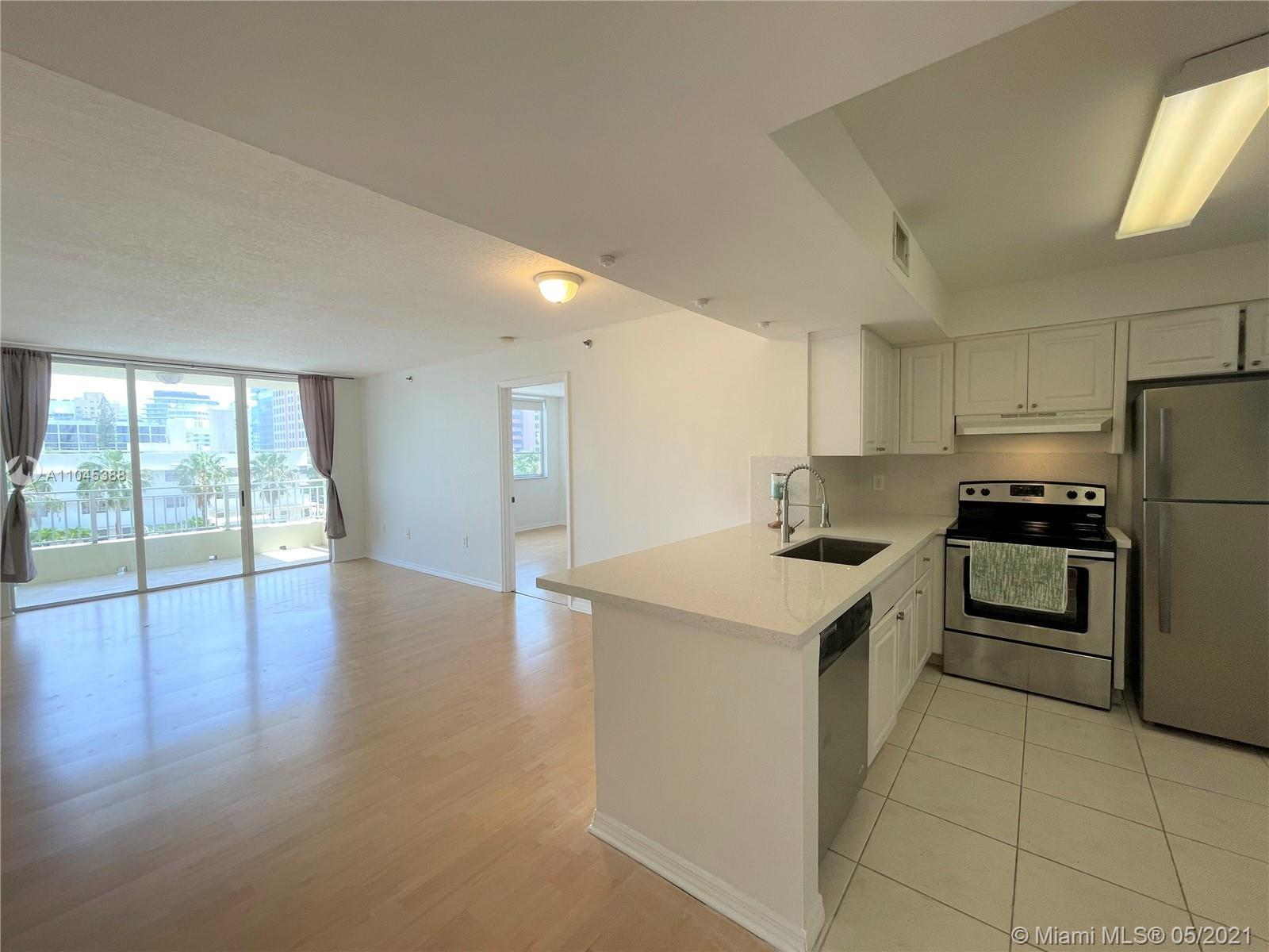 ATTENTION INVESTOR GREAT OPPORTUNITY TO BUY WITH GREAT TENANTS. AMAZING LOCATION! SPACIOUS 2BED/2BAT