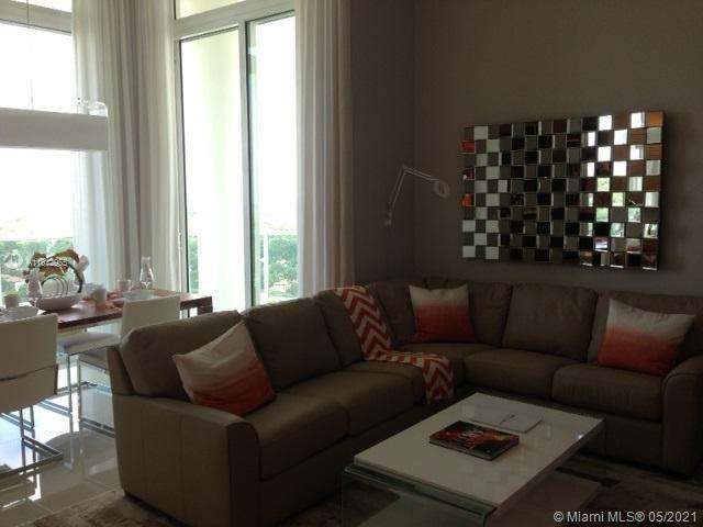Beautiful 2/2 PH IN Brickell.  Corner unit completely furnished.  Tenant occupied.  Beautiful view o