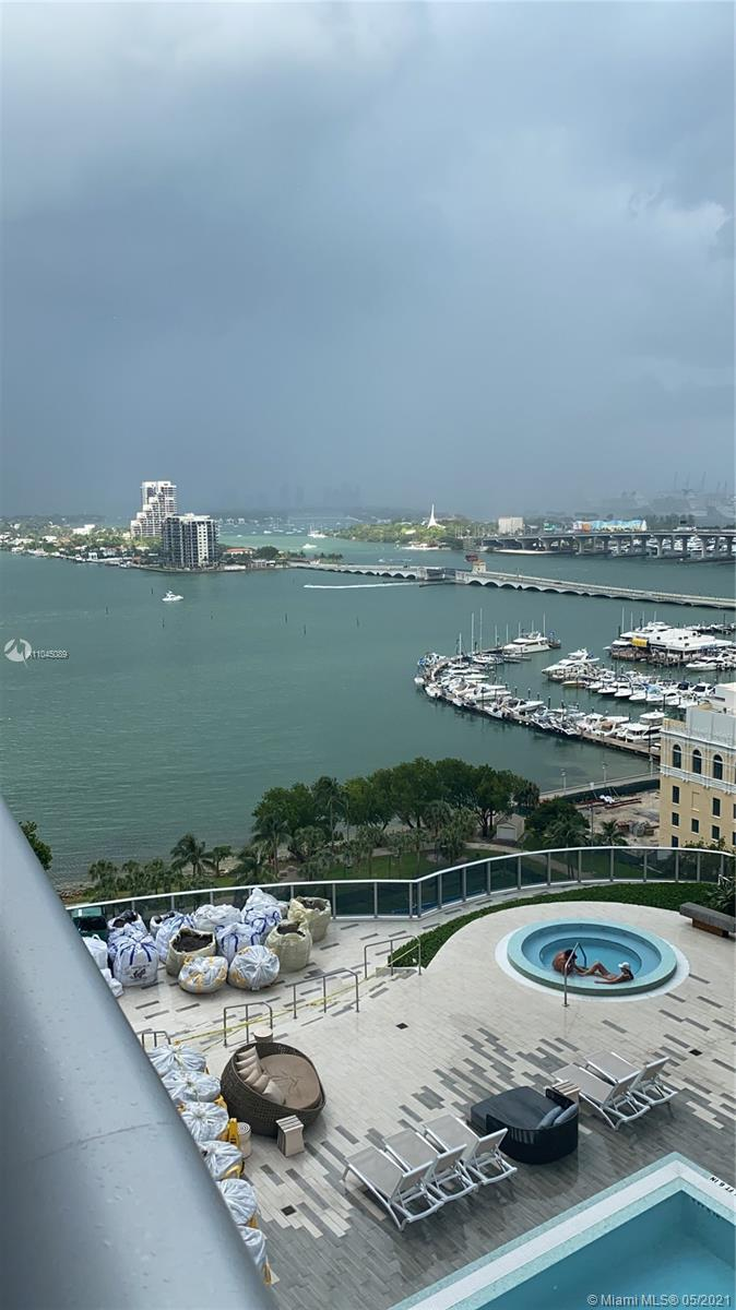 Aria on the Bay , is a Luxury high-rise development designed by Arquitectónica. Located in Edge Wat