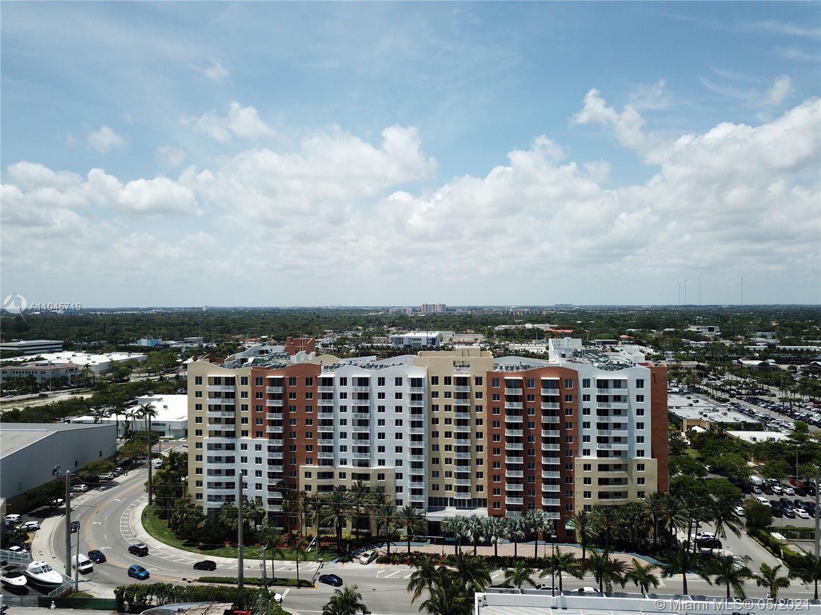 Gorgeous apartment located in the hearth of Aventura, walking distance to Aventura mall, on a shoppi