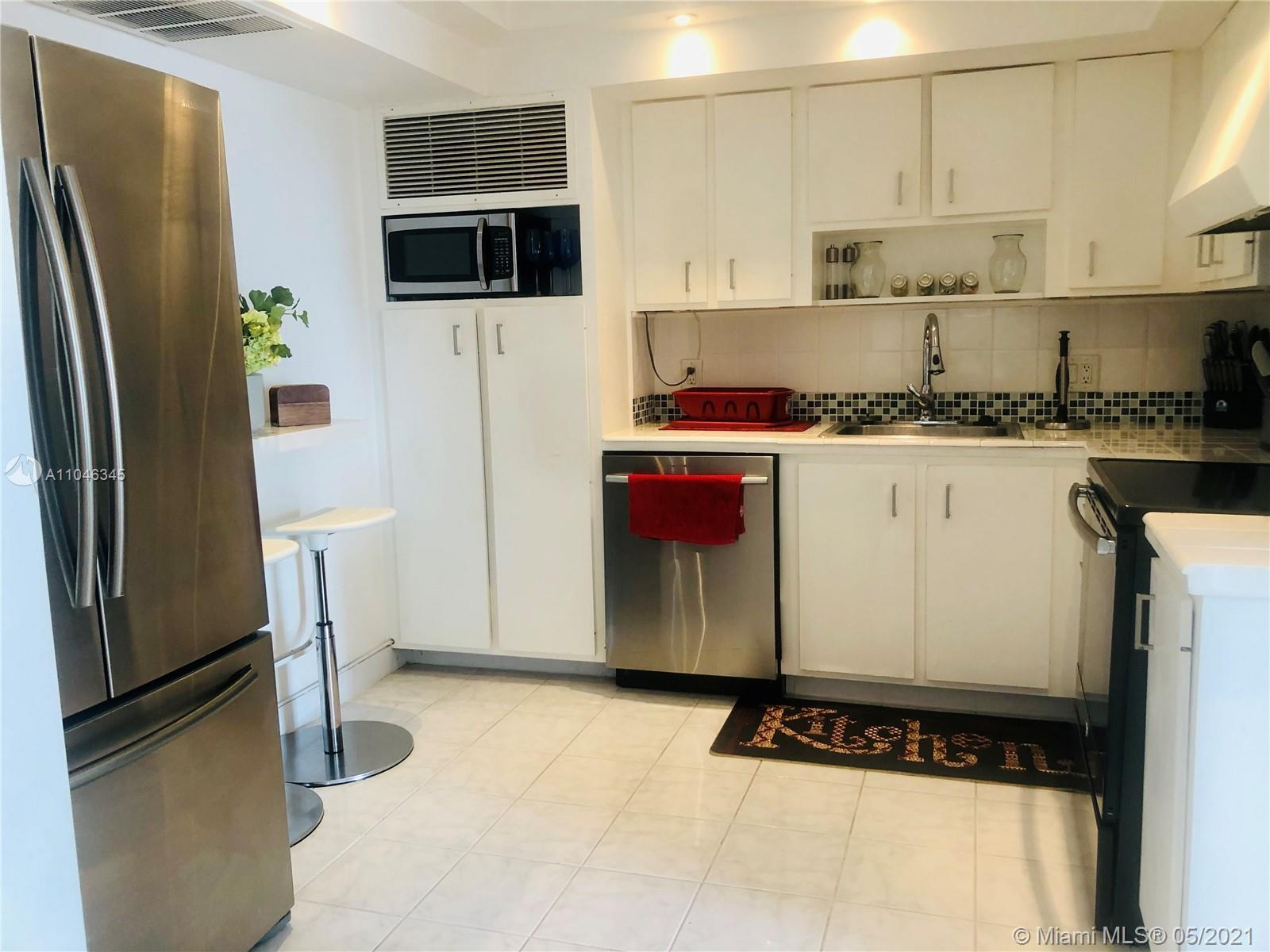 Renovated 2BD/2BA. The best water and city views from the 2 bedrooms and balcony... Beautifully upgr