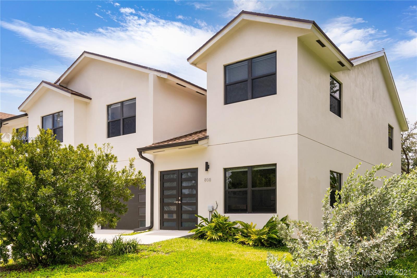 AN ABSOLUTELY STUNNING, MUST SEE 2020 HOME. SPACIOUS, MODERN, ELEGANT DESIGN. OPEN CONCEPT KITCHEN W