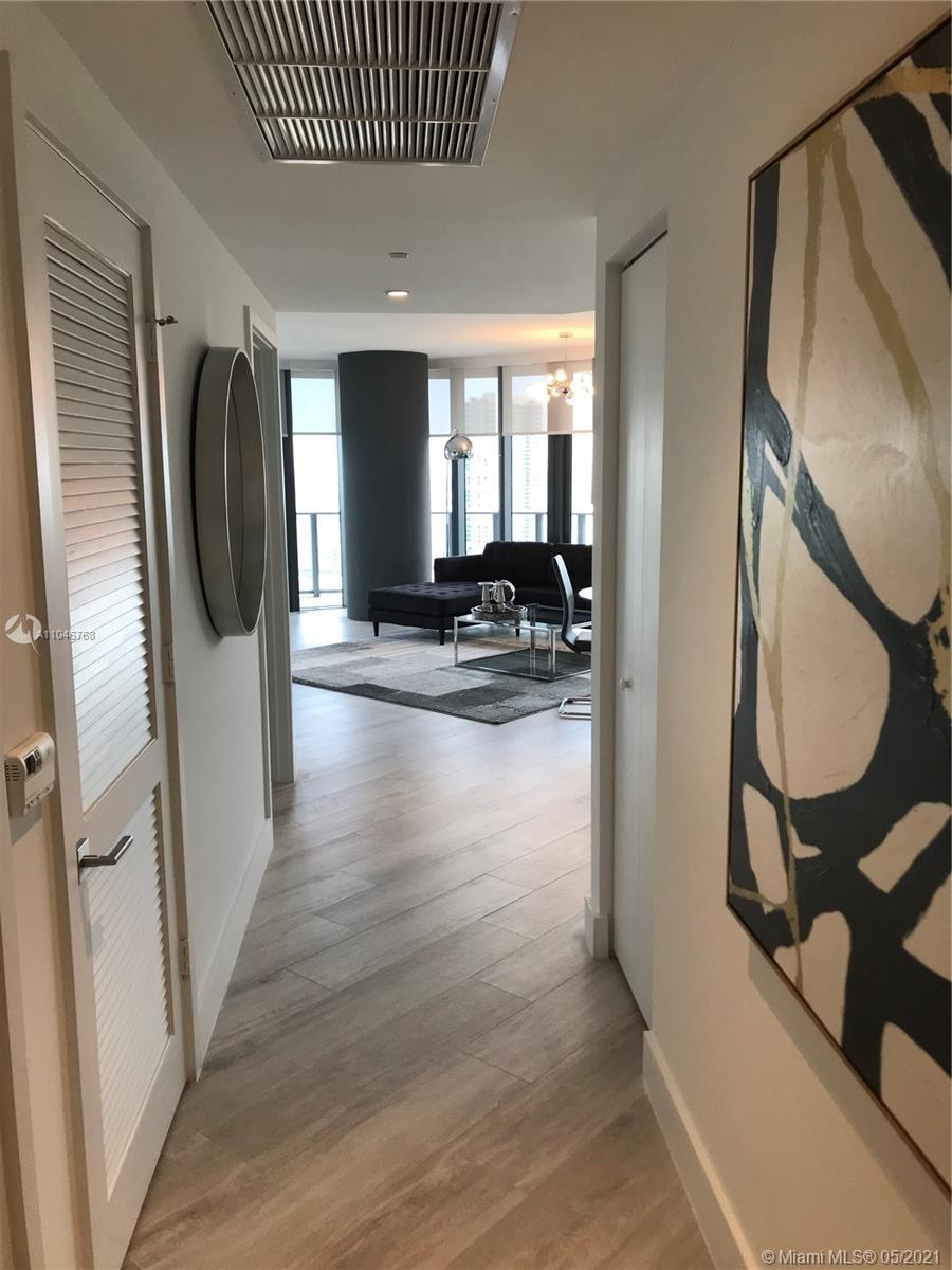 wner says sell! Stunning 2/2 in the brand new Hyde building! Fully furnished with views of all of mi