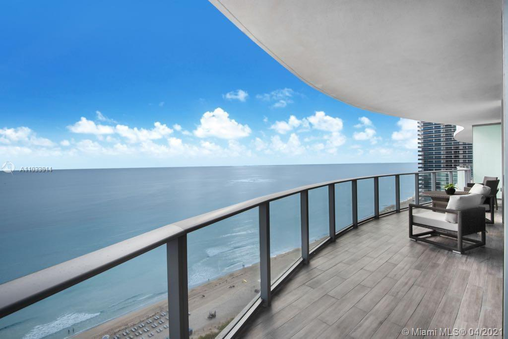 SPECTACULAR RESIDENCE AT HYDE RESORT WITH PANORAMIC OCEAN AND INTRACOSTAL VIEWS. 2 BEDS 2 BATHS AND