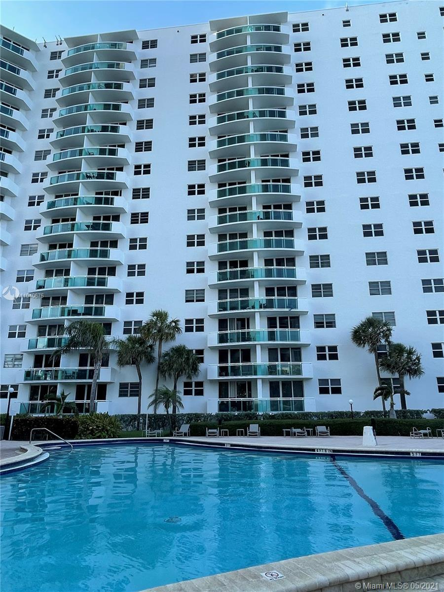 Just steps to the ocean this Beautiful 1 bedroom/ 1bath unit in popular Hollywood Beach The Residenc