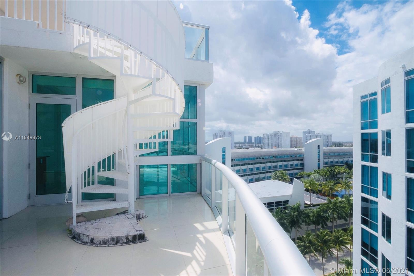 !!!INVESTOR OPPORTINITY to own rare to find unique spacious 3/2,5 PENTHOUSE WITH OWN ROOF TOP TERRAC