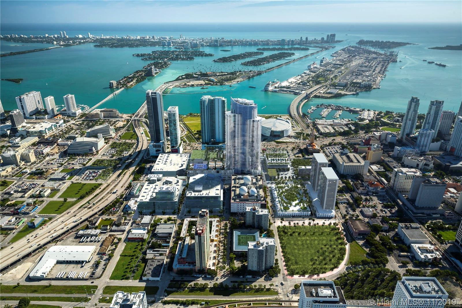 """Luxurious 3 bed + den at Paramount Miami Worldcenter offering the """"Most Amenities in the World""""! Ove"""