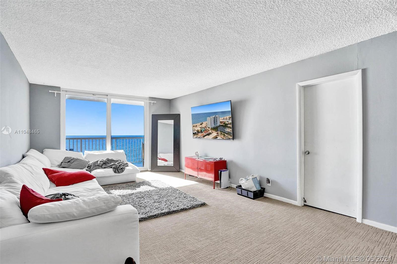 CATCH THE OPPORTUNITY TO PURCHASE YOUR HOLLYWOOD BEACHFRONT CONDO! GREAT UNIT LOCATED IN THE EDGEWAT