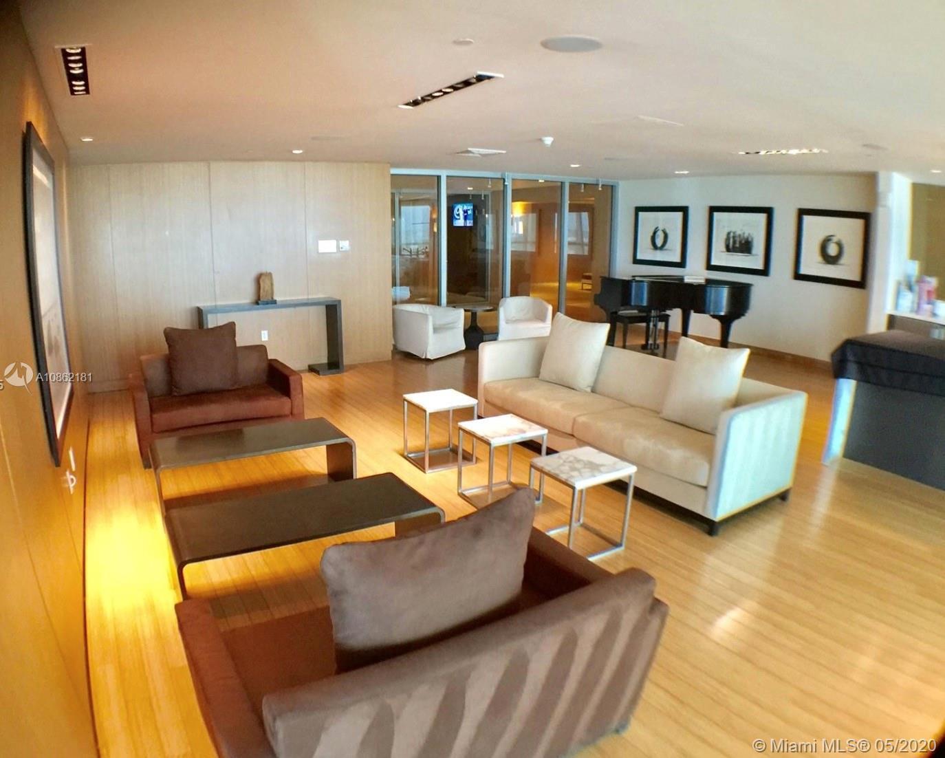 Great community in the luxurious 900 Biscayne Condo. 1 bedroom + Den/2 bathrooms floor to ceiling gl