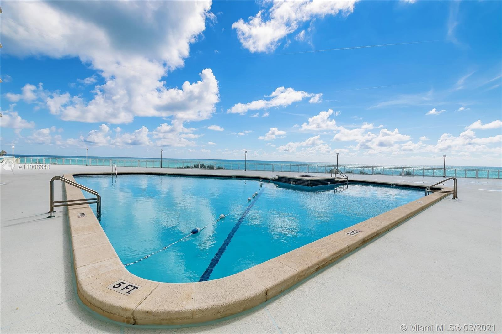 Beach front building! Partial water view unit with 1 bedroom and 2 bathrooms. 24 hours concierge/sec