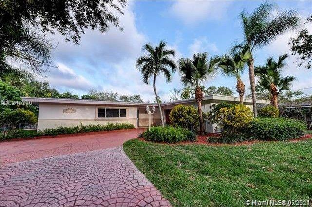 North Pinecrest charmer close proximity to great schools, restaurants and shopping. Fully remodeled