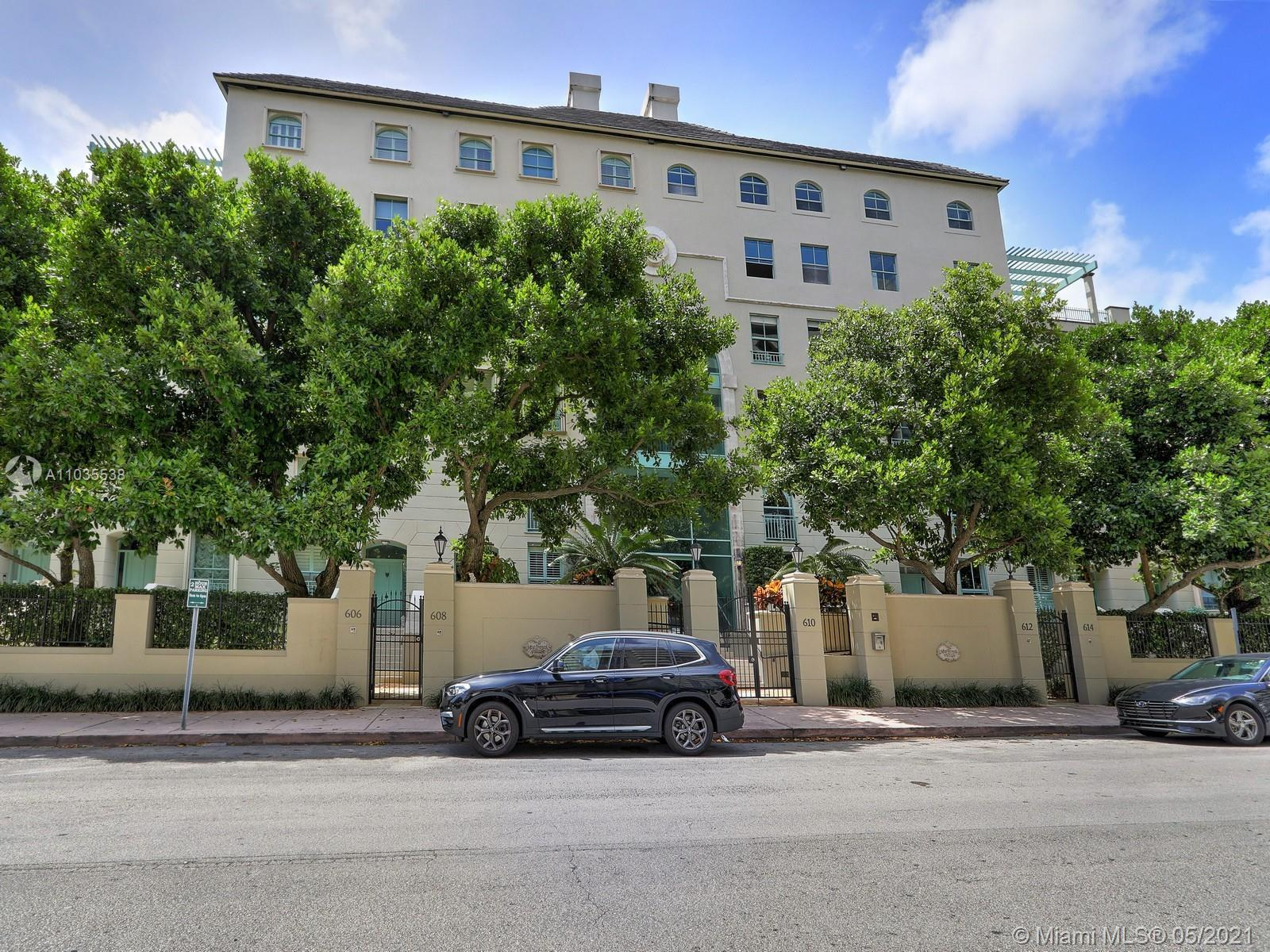 Beautifully updated 2 bedrooms 2.5 bath townhouse on a private and gated community located in the de
